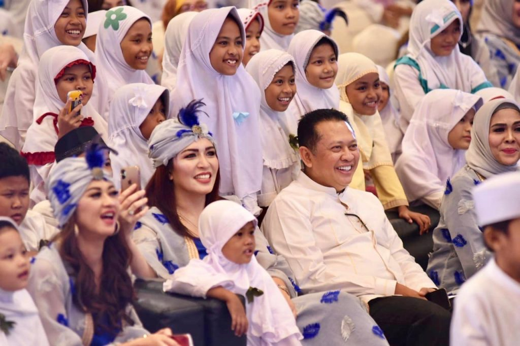 Bamsoet Ajak Anak Yatim Doakan Bangsa Indonesia