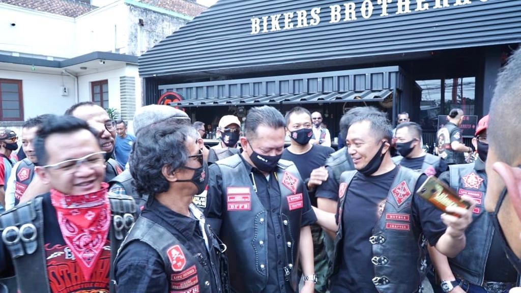 Bertemu Komunitas Motor BBMC Bandung, Bamsoet Ajak Biker Kampanyekan Protokol Kesehatan