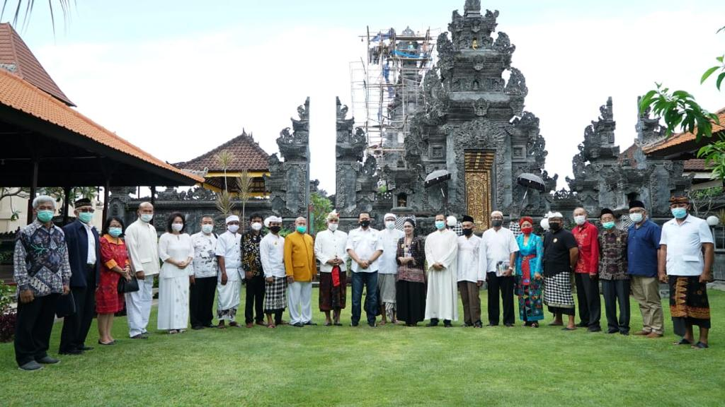Bamsoet Kunjungi Pusat Peribadatan Puja Mandala Bali, Lima Tempat Ibadah di Satu Tempat